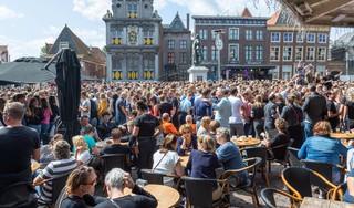 Hoornse restauranthouder: 'Mijn zaak open houden op Lappendag? Dan speel ik Russisch roulette'
