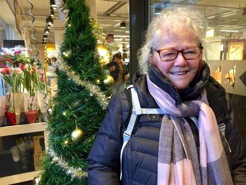Onderweg: Adeodata ('Door God gegeven') Kwakkelstein (71) verruilde vijf jaar geleden een Amsterdams 'huis vol herinneringen' voor een nieuwe start in Alkmaar.