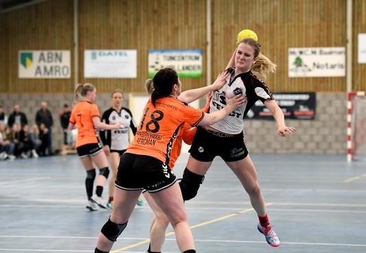 Handbalsters Volendam na nederlaag tegen ZAP in achtervolging
