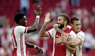 Alle lof voor Lang en Labyad. Tweetal excelleert voor Ajax in oefenduel met FC Utrecht: 5-1. Trainer Erik Ten Hag: 'Zakaria heeft heel intelligent gespeeld en Noa was ook heel goed'.
