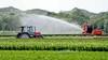 Extreem weer maakt balanceren tussen te weinig en te veel water steeds belangrijker voor de agrarische sector. Tussen pompen of verzuipen zitten de boer en het waterschap