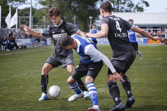 Beverwijker Sebastiaan Dooyeweerd gaat voor pijnvrij jaar: 'Hopelijk spelen we ons met DEM snel veilig in de derde divisie'