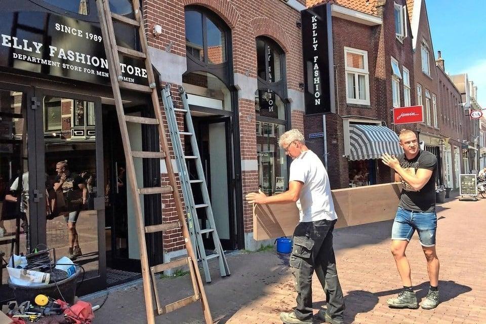 Het nieuwe 'hoofdkantoor' van Kelly Fashion op het Grote Noord in Hoorn, daags voor de opening in mei 2018. Inmiddels is de modeketen failliet verklaard.