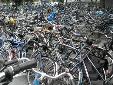 Alerte Hilversumse leidt politie via Marktplaats naar schuur vol gestolen fietsen aan de Kleine Drift