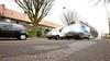 Gemeente Eemnes wil de schade aan de wegen snel herstellen; 'De claims moeten je straks niet om de oren vliegen'
