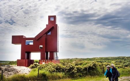 Kunstwerk in IJmuiden aan Zee roept veel reacties op, maar amper positieve: 'Gaan ze de hele Kamasutra hier neerzetten?'