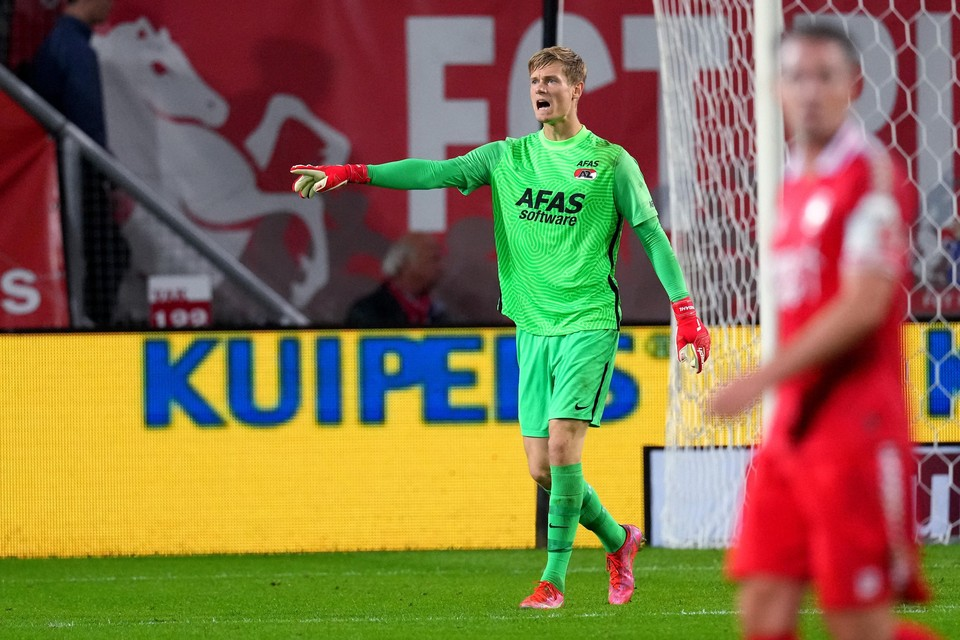 AZ-keeper Peter Vindahl heeft nu in de vier wedstrijden die hij heeft gespeeld al elf tegendoelpunten geïncasseerd.