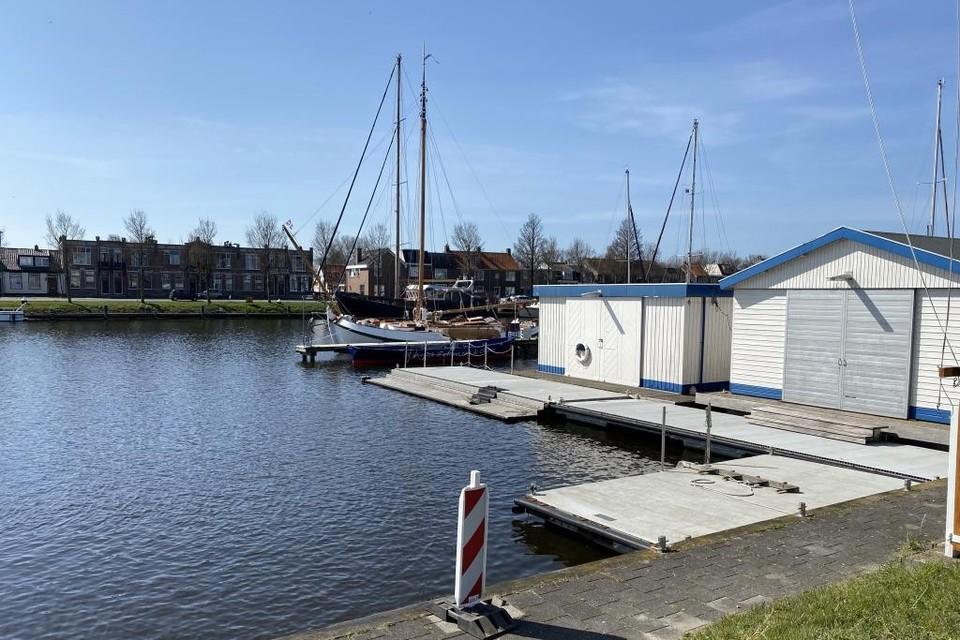 De Groene Draeck, hier bij de Marinewatersportvereniging.