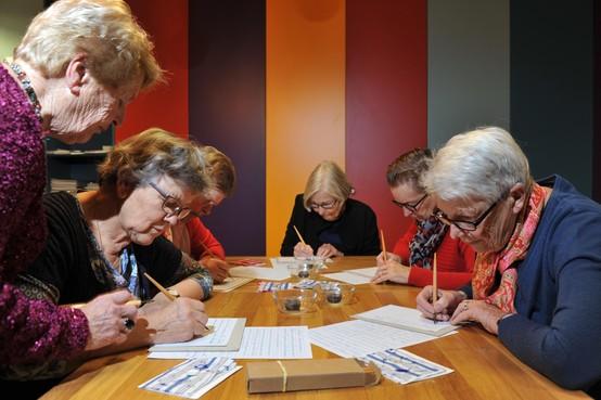 Bibliotheek IJmond Noord bestaat 100 jaar en viert groot feest met workshops uit het verleden