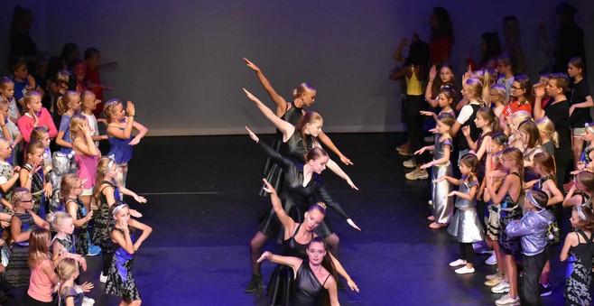 Vier dagen vol dans, muziek en toneel voor de jeugd in Baarns theater De Speeldoos