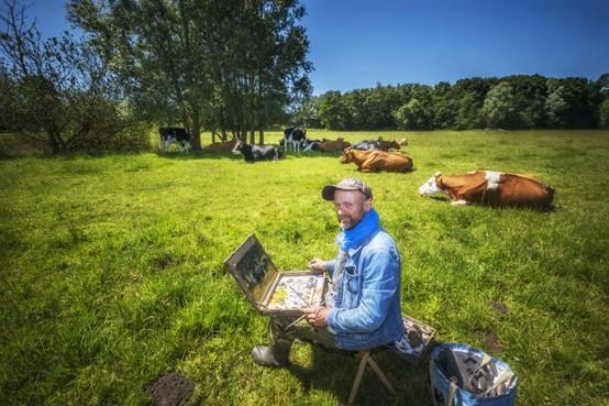 Ruud Spil is veeschilder: 'De ene koe vind ik mooi, de andere niet' [video]