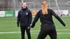Corina Dekker wacht bij VV Alkmaar door buitenlandse inbreng een leerzame uitdaging: 'Ik ben gegroeid in hoe ik coach'