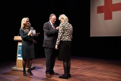 Inge Brakman uit Wormer benoemd tot Officier in de Orde van Oranje-Nassau