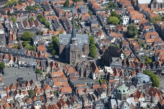 Gemeente Hoorn pakt nog snel fundering toren Grote Kerk aan