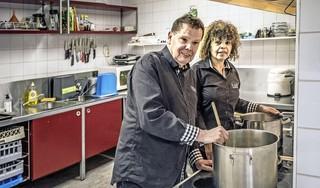 Doek valt in 2024 voor buurthuis 't Ambacht; sociaal eetcafé wil door op andere plek