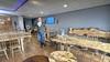 Christiaan Horsman verkoopt tafels gemaakt van hout uit Siberië. 'Dat zijn twee kogelinslagen. In het gebied waar dit hout vandaan komt, is in de Tweede Wereldoorlog heel veel gevochten'