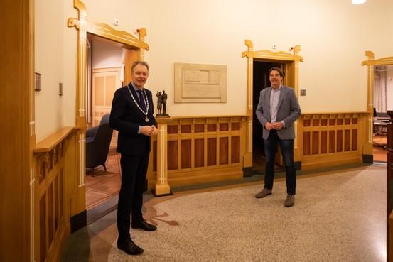 Hugo Prakke beleeft de meest idiote wethoudersbenoeming uit Baarnse historie; 'Het lijkt wat afstandelijk, maar voel je van harte welkom!'