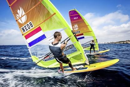 Voor de windsurfers Dorian van Rijsselberghe en Kiran Badloe is het bij het WK erop of eronder. Ongekende climax in de olympische tweestrijd