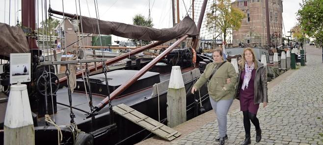 'Toeristenbelasting en planten bedreigen chartervaart in Hoorn'