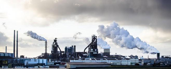 Achtergrond: Bonden en ondernemingsraad slijpen de messen bij Tata Steel, angst dat banen naar India vertrekken