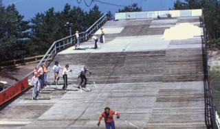 Bewegend Verleden: Wintersport bij Il Primo in Bergen, jaren '70 [video]