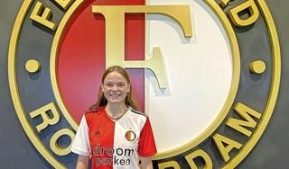 Het is de meest controversiële overstap in het Nederlandse voetbal: Gooise voetbalster maakt hem