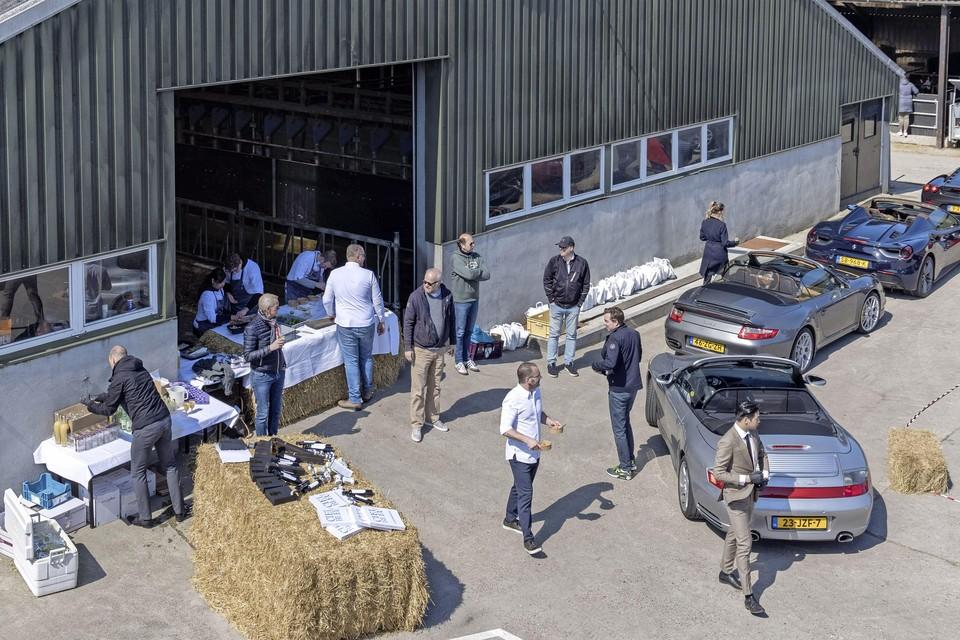 Sterrenkoks koken op locatie voor culinaire rondrit Westfriese Omringdijk.