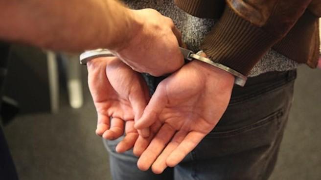 Drie mannen uit Amsterdam aangehouden voor pinpasfraude in Den Helder, waar zij mogelijk eerder toesloegen