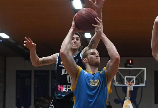 Helderse basketbalsters beginnen incompleet aan seizoen; Alex Laurent gaat in Spanje spelen