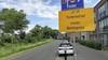 De Thorbeckestraat in Schagen, die straat met die smalle bocht, wordt vanaf eind juni een eenrichtingsweg