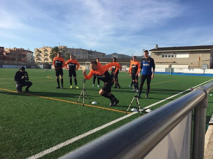Laatste dag voor FC Volendam in de Spaanse zon; Antonucci fiets voor eerst in tien jaar [video]