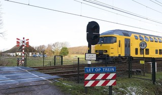 De spoorwegovergangen in het Heilooërbos moeten dicht vanwege de vele ongelukken: 'Het wordt hoe dan ook een dure oplossing'