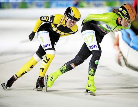 Andijkse topfavoriete Irene Schouten wordt vierde in eerste schaatsmarathon van seizoen, Hoogkarspelse Beau Wagemaker tweede