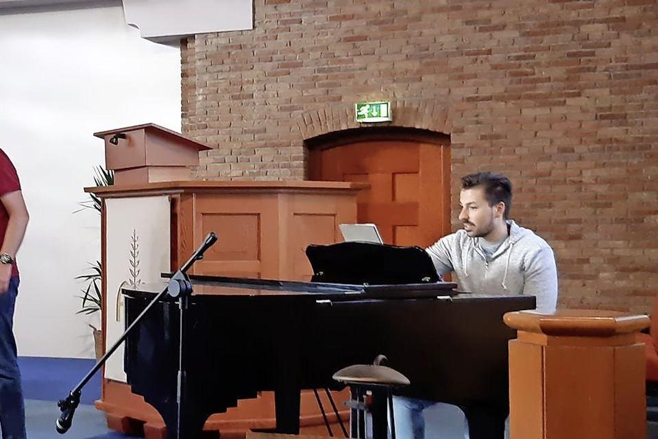 Repeteren in de Ontmoetingskerk in Middenmeer.