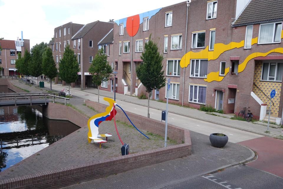 De Rondeelstraat, gezien vanaf de Nieuwendoorngracht, waar vorig jaar overlast was van een hanggroep.