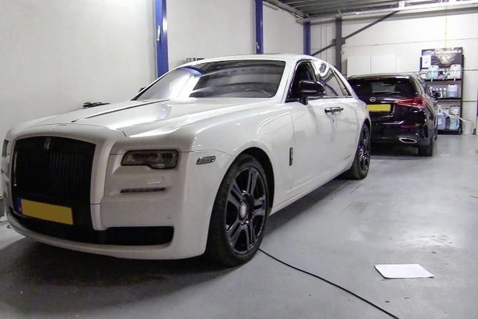 Eén van de luxe auto's die op 5 maart in beslag is genomen.