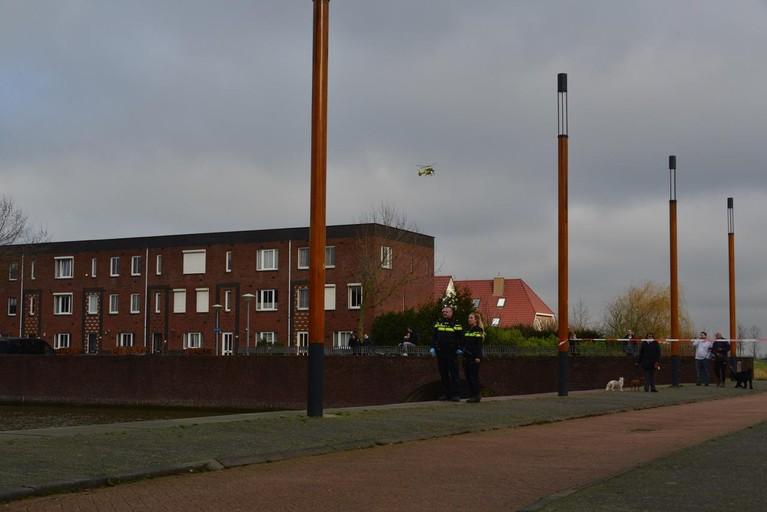 Lichaam gevonden in water in Nieuw-Vennep, politie doet onderzoek