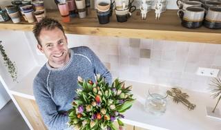 Boer Tom maakt er met tulpen een fleurig feestje van | column
