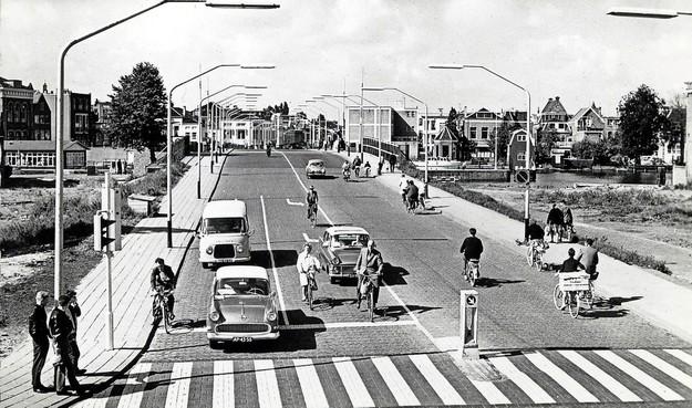 Bouw Beatrixbrug in Zaandam nam in de jaren vijftig slechts twee jaar in beslag