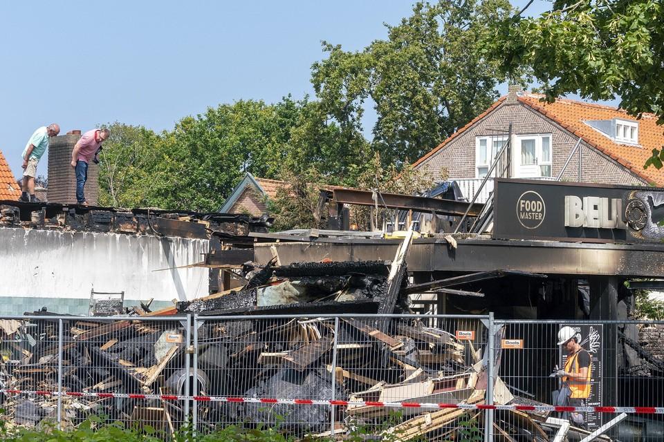 Snackbar Bello en Surinaams eethuisje No Span gingen volledig verloren bij een grote brand afgelopen juli.