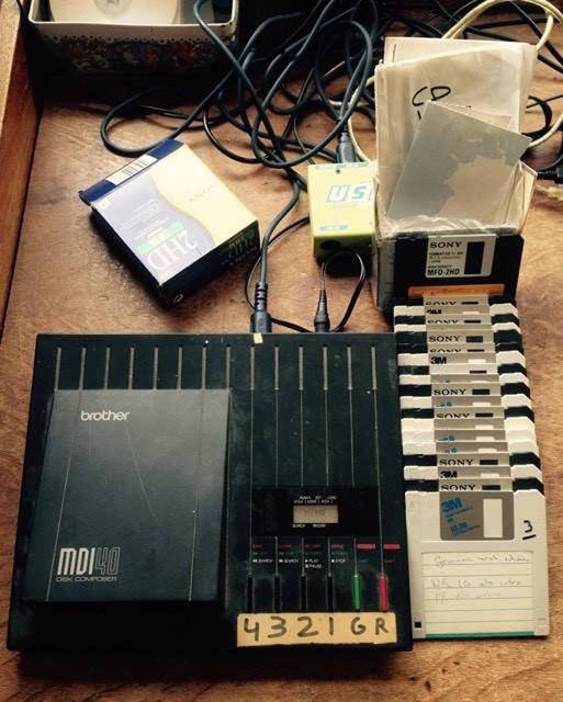 Floppydisks met Midi-bestanden van Hoekes muziek.