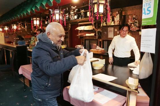 Chinese restaurants in regio hebben het moeilijk: geen voetbal op zondag, dan ook minder eten afhalen