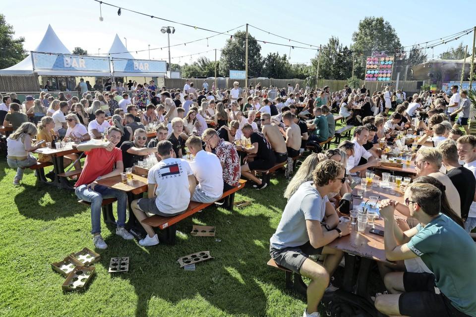 Het festival vond zittend plaats.