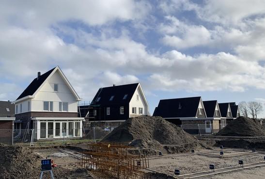 Bouw tienduizend woningen in Noord-Holland loopt vertraging op door uitspraak Raad van State