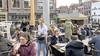 Jááááá! De terrassen staan dinsdag uit in Alkmaar. Maar eindelijk een rondje bier bestellen... vergeet het maar