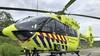 De Waddenheli, een vliegende ambulance, brengt spoedpatiënten op Texel voortaan ook naar ziekenhuis in Alkmaar. 'De gemiddelde tijdwinst is een uur, daarmee wordt gezondheidsschade voorkomen'