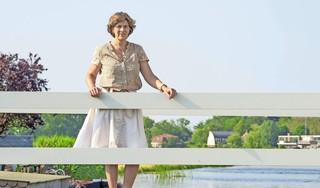 En dan ben je opeens burgemeester van het Wilde Westen. Marian van der Weele blikt terug op schietpartij in Broek.'De koude rillingen liepen over mijn rug'