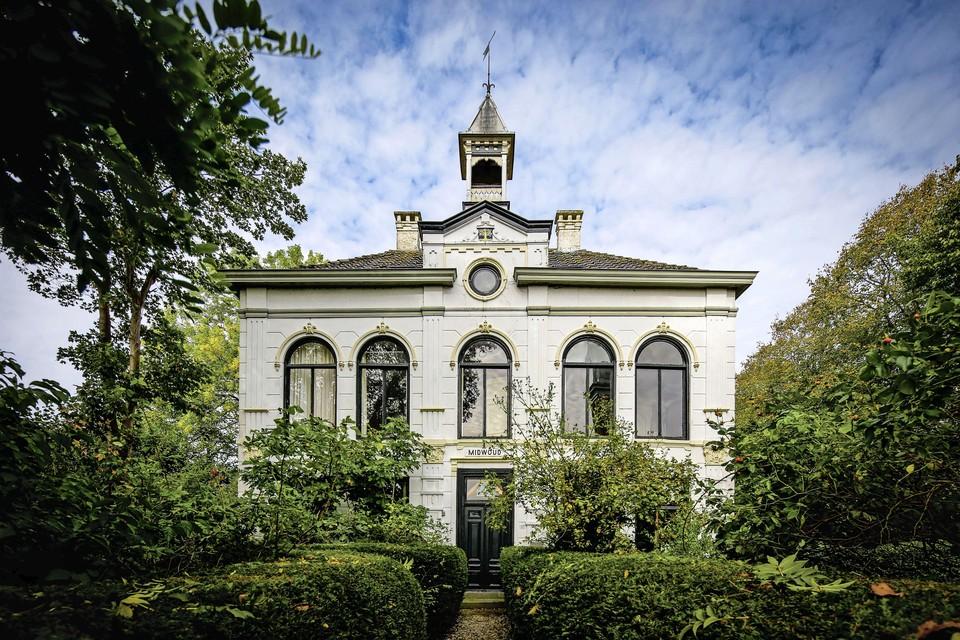 Huis Midwoud wordt elke maand een broedplaats voor kunst en cultuur.