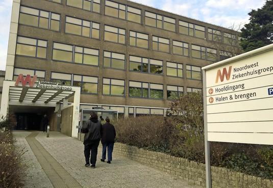 'Alleen wanneer een patiënt op de IC moet worden opgenomen, gaat deze altijd naar Alkmaar.' Ook in ziekenhuis Den Helder liggen coronapatiënten in isolatie