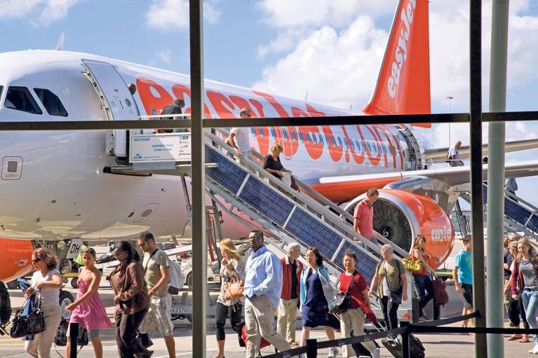 Europa maakt vliegen spotgoedkoop